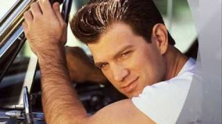 Chris Isaak Somebody S Crying