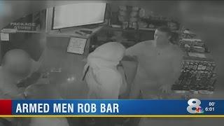 2 men rob Sarasota bar at gunpoint while patrons drink nearby
