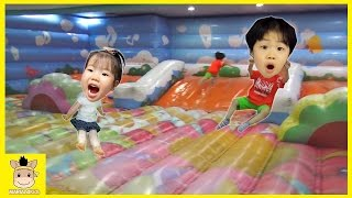 Indoor Playground Fun for Kids and Family Play Ferris Wheel Slide Jump | MariAndKids Toys
