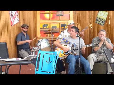 Click Go Review, Three Monkeys Cafe, Clip 3 (Blues Band)