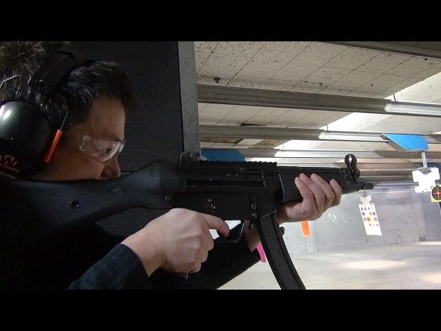 実弾射撃 H&K MP5A4 短機関銃 フルオート (HK MP5A4 SMG)