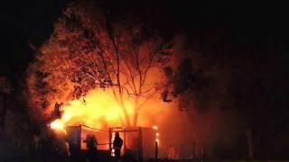 Impresionante incendió en la rotonda de Trebolares