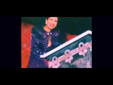 And the winner is ... Selena Quintanilla!  1995 Tejano Music Awards