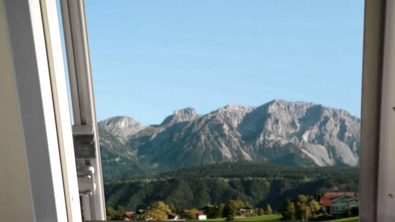 Roto azuro panorama youtube - Dachfenster panorama ...