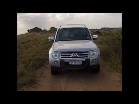 Mozambique 2011 Nissan Pathfinder vs 2009 Mitsubishi Pajero