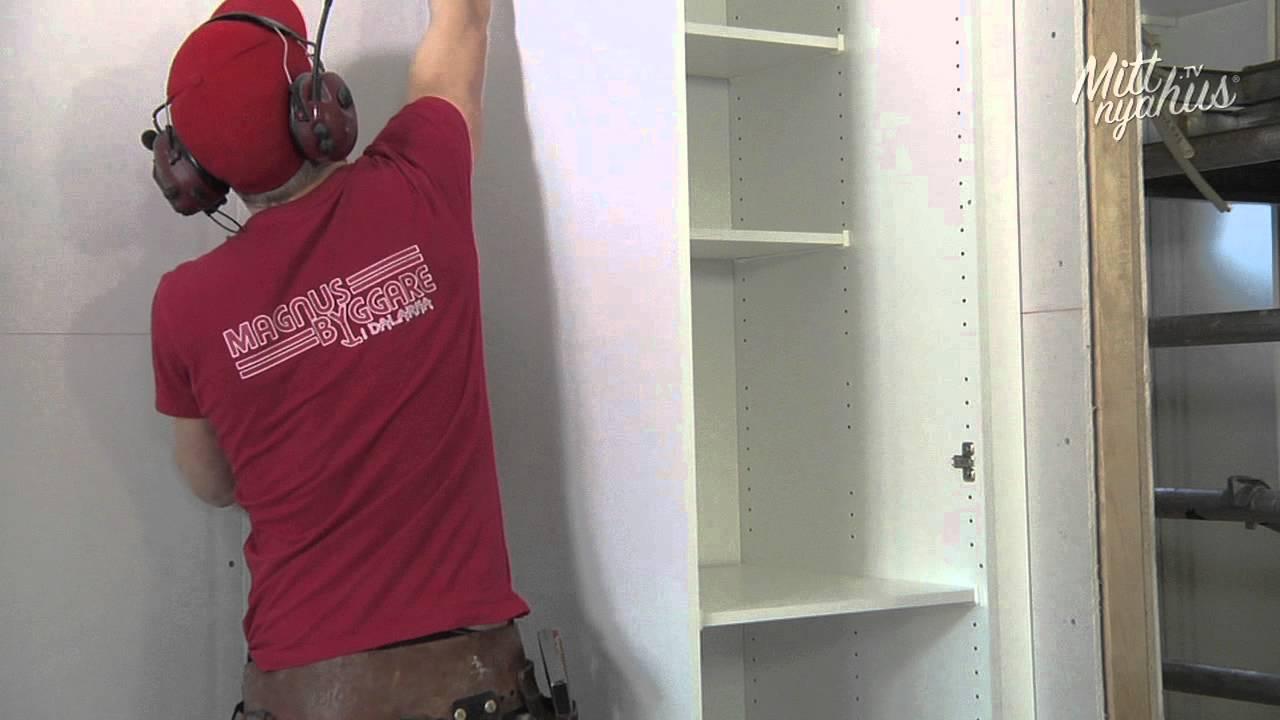 Hur gör snickaren - Montering av högskåp i kök - YouTube