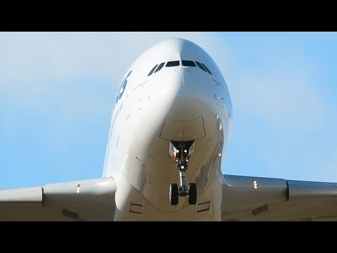 BEST OF | Melbourne Airport Plane Spotting | Featuring: A380, 747, 777, 787, A330