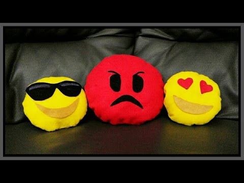 Cuscini Simpatici.Diy Simpatici Cuscini Emoji Whatsapp Pillows With Whatsapp