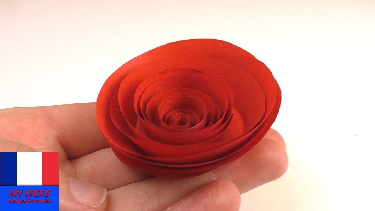 Bricoler une rose rouge en papier rose en papier simple - Comment faire une rose en papier facile ...