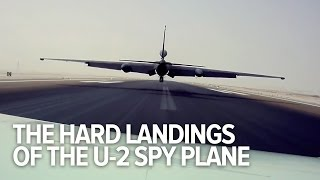 How the USAF pilots and chase cars land the U-2 Dragon Lady