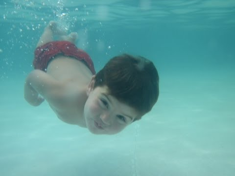 Youngest swimmer in the world!!! Brahman new swimming movie, almost three now