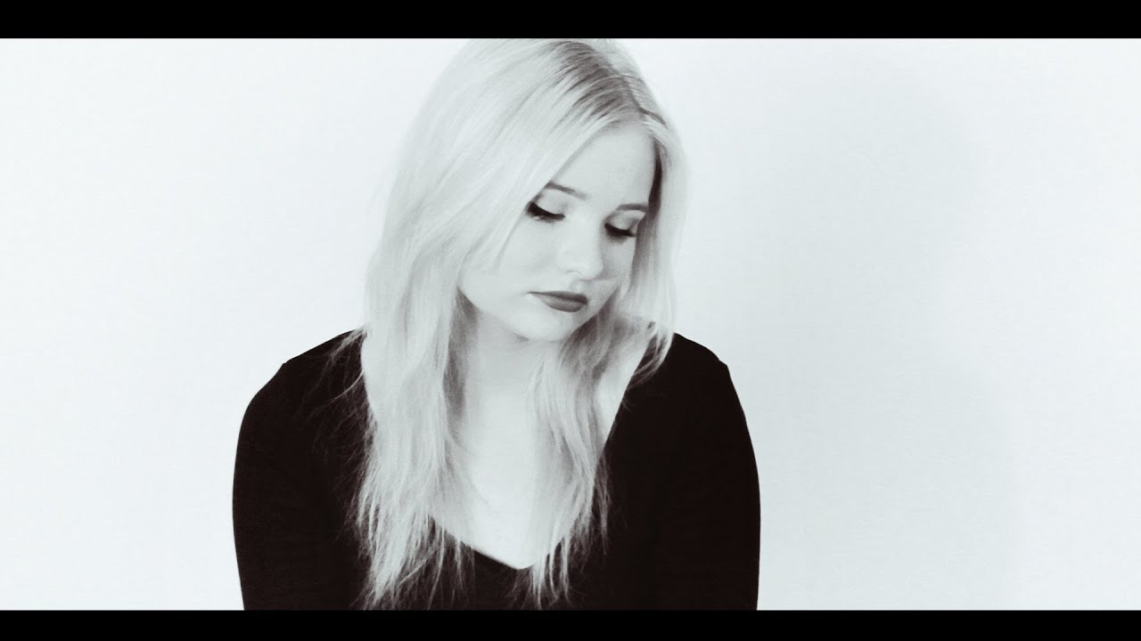 Sia - Chandelier (cover by Kristiin) - YouTube