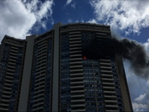 Raw: Fire Rages in Honolulu Apartment Building
