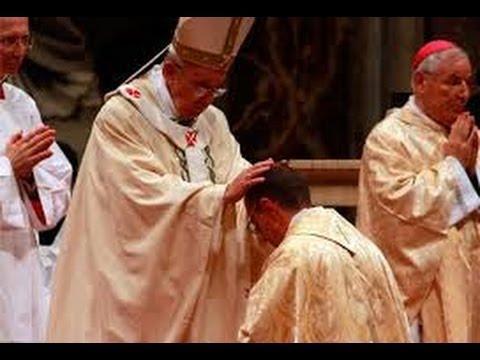 15/11/2013 Santa Misa y Ordenación Episcopal de Fr. Fernando Vérgez Alzaga