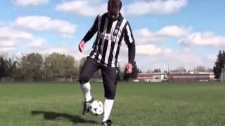 Отличный видео урок некоторых финтов футбольного фристайла