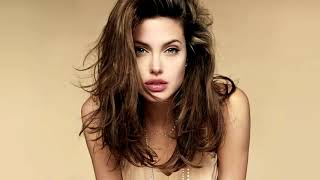Angelina Jolie All Hot Kissing Scenes in Original Sin I HD VID…