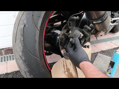 Rear Brake pad replacement Suzuki GSXR 600 k6 - K7 - inc clean and removal.