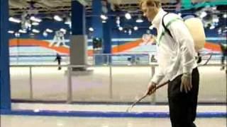 из какой воды делают лёд в большом спорте?