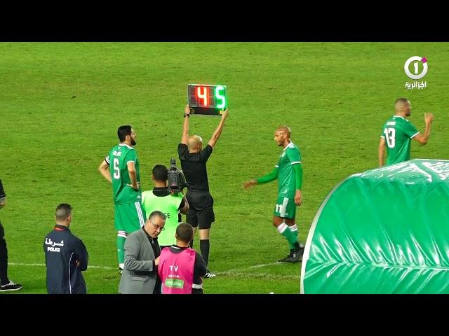"""لحظة دخول #رفيق_حليش لآخر مباراة له مع #الخضر """"الله أكبر ..رفيق حليش"""""""