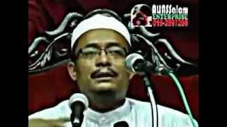 Ustaz Kazim menangis