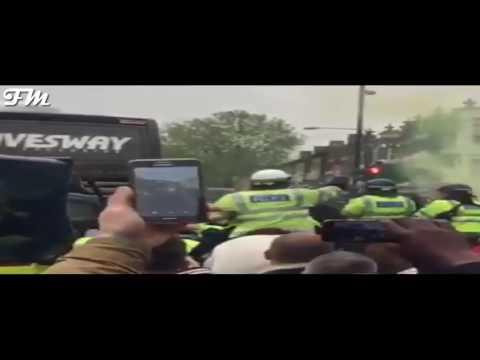 West Ham fans damaging Manchester United bus 10/5/2016