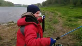 Рыбалка поймали большую щуку