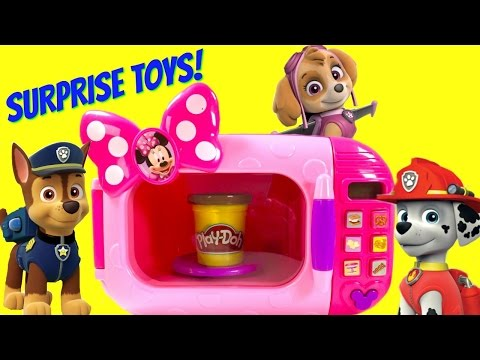 Paw Patrol Uses Minnie Mouse Magical Microwave to Cook Toy Surprise Blind Bags!