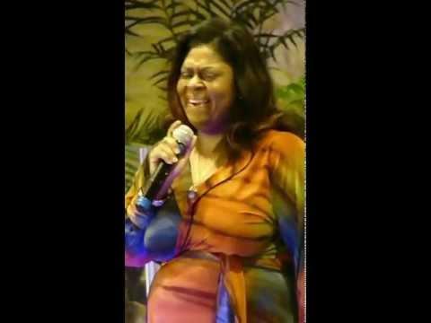 Kim Burrell sings