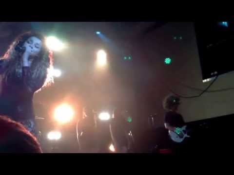 Ella Eyre - Alone Too/We Don't Have To Take Our Clothes Off - Cardiff 12.10.14