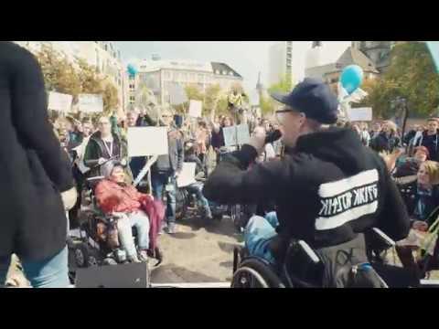 Sittin´ Bull - LIVE auf dem Münsterplatz, Bonn (Mission Inklusion 2019) Ansage: Leeroy Matata