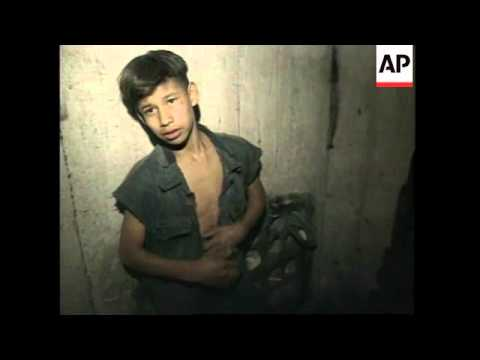 MEXICO: MEXICO CITY: YOUNGSTERS WHO LIVE IN CITY'S SEWERS