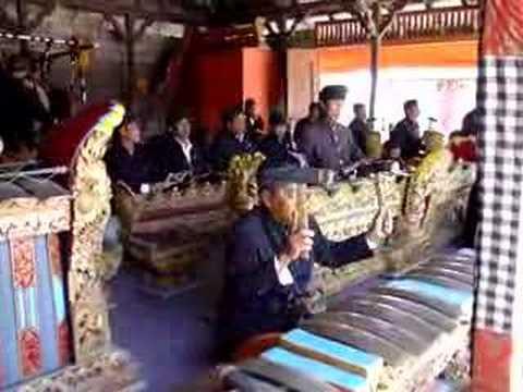 Balinese Gamelan Music, Temple of Batur.