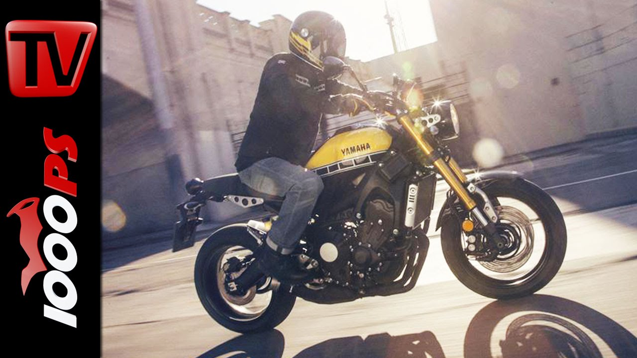 yamaha xsr 900 first look with valentino rossi youtube. Black Bedroom Furniture Sets. Home Design Ideas