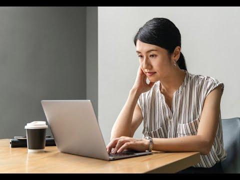 50 % من النساء يتعرضن للتحرش الانترنت  - 18:55-2019 / 3 / 15
