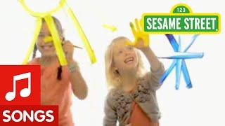 Sesame Street: Everyone Is An Artist