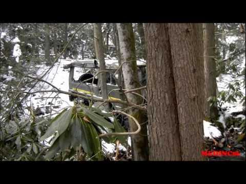 4X4 Pinz Down Hill Snow - Pinzgauer Tours in the Pocono Mountains.wmv
