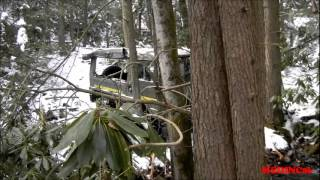 4X4 Pinz Down Hill Snow - Pinzgauer Tours in the Pocono Mountains.wmv