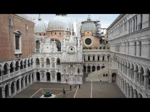 Visiting Palazzo Ducale & Exhibition - VIU