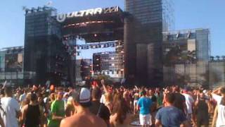 Benny Benassi Mix to The Temper Trap - Fader @ Ultra 2010 - MIA