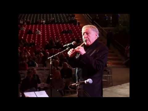 Paddy Moloney of The Chieftains - finale solo