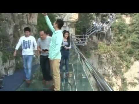 Glass bottom walkway in Central China built on cliff cracks