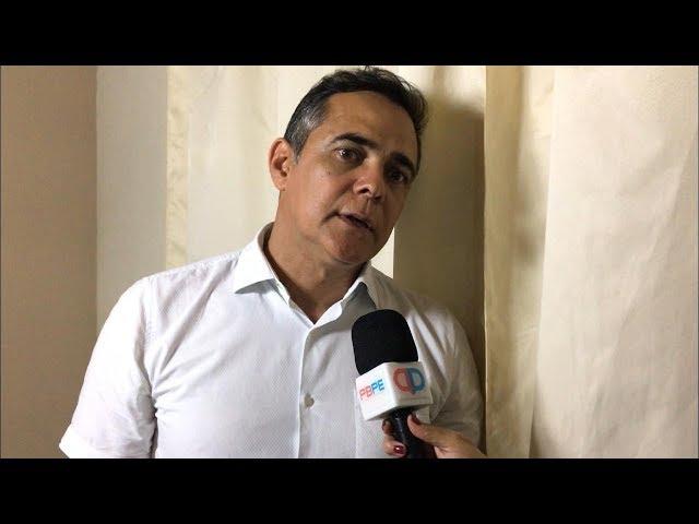 Entrevista com o prefeito Armando Pimentel