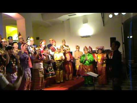 Sik Sik Sik Sibatu Manikam Paramabira Bina Nusantara University Choir Jakarta Indonesia