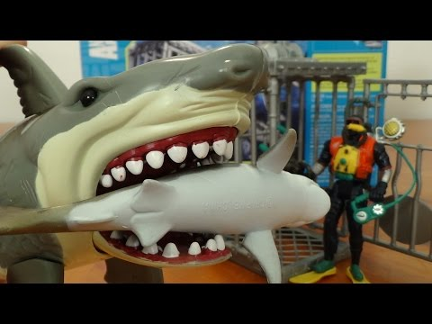 Extreme Shark Attack Adventure Set Diver Cage Great White & Tiger Shark by Animal Planet Sharknado