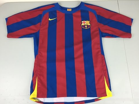 1574640c163 Retro Review: 2005-2006 FC Barcelona Home Jersey by Nike - YouTube