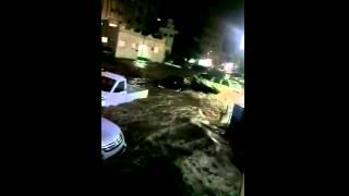 #الطايف_تغرق .. شاهد كيف غرقت المدينة السعودية في مياه الأمطار والسيول