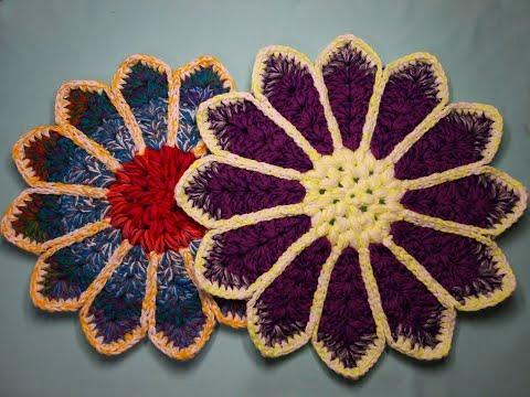 Крючком коврик цветок