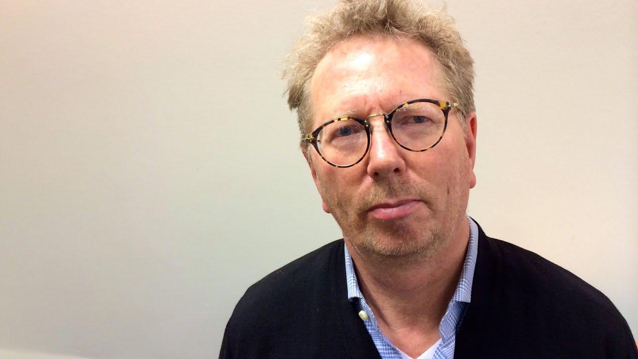 Spiegel journalist cordt schnibben im interview youtube for Journalist spiegel