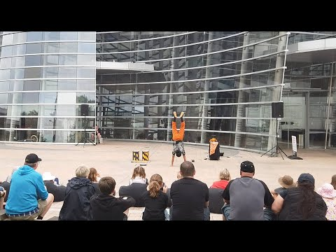 Bread & Circus 2019 | World Buskers Festival - Hero San