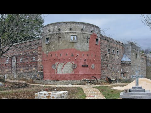 Real Haunted Castle Hidden In the Hills of East Tennessee